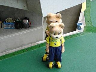 200510231.jpg